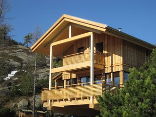 Peaceful Chalet in Turracherhöhe with Jacuzzi