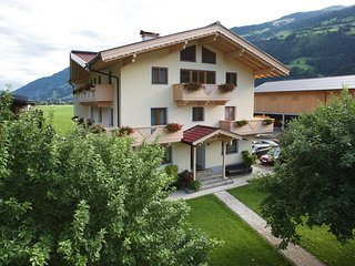 Spacious Apartment in Aschau im Zillertal with Balcony