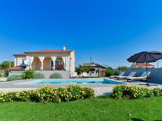 Spacious Villa in Debeljak with Private Swimming Pool
