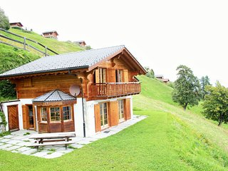 Cozy Chalet on Slopes in Heremence with Sauna