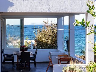 Detached Holiday house few steps from the beach, 2 beautifull sea view terraces