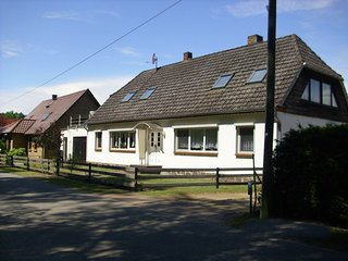 Cozy Apartment with Garden near the Forest in Schlowe
