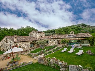 Luxurious villa, near Orvieto, with heated pool and private spa