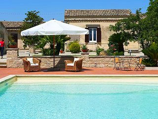 Charming part of traditional 'Baglio' with pool and strategic location.