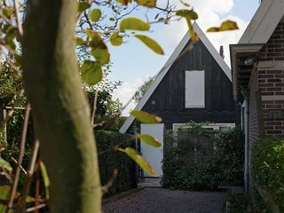 Semi-detached holiday home on the outskirts of North Holland village Krabbendam