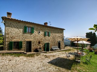 Cozy Farmhouse In Caprese Michelangelo  with Swimming  Pool