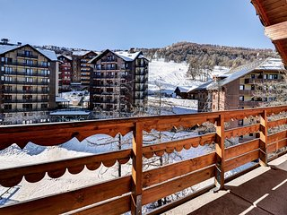 Appartement Cozy Près de Risoul 300m des Pistes | Local à Skis