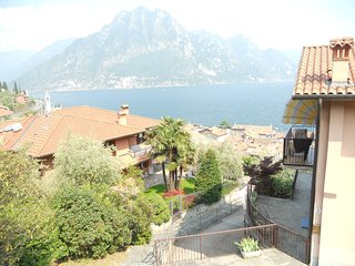 Spacious Apartment in Riva di Solto with Terrace