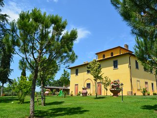 Beautiful old villa with a garden and private swimming pool in the Etruscan coun