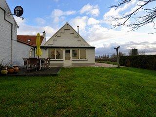 Spacious Holiday Home in Middelkerke near Belgian Coast