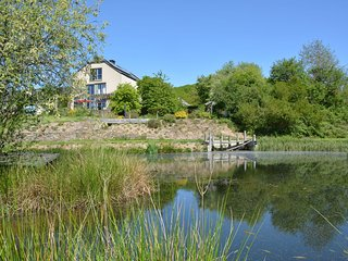 Old house in small hamlet, in full nature, with pond, very calm