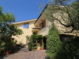 A detached villa for 2 people at Marciaga Lake Garda