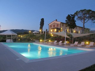 Quaint holiday home in Florence Tuscany with Swimming Pool