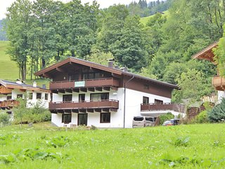 Quaint Chalet in Saalbach-Hinterglemm with Private Sauna