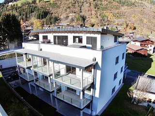 Modern Apartment near Ski Lift in Neukirchen