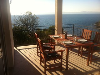 Lovely  apartment with terrace and gorgeous sea view. Near the beach !