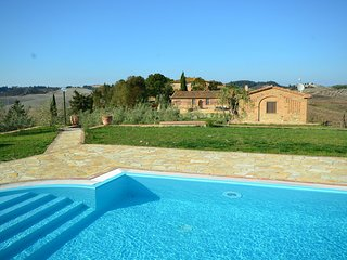 Cosy agriturismo in Toscana with outdoor swimming pool
