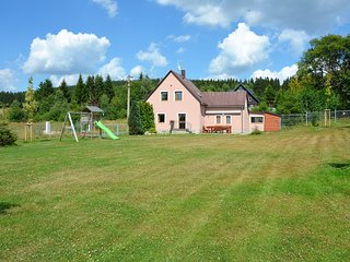 Beautiful holiday home in the Erzgebirge / sea level 900 m / with large, well-ke