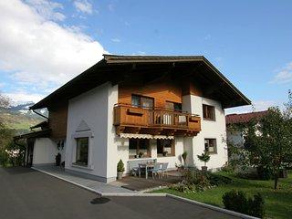 Spacious Apartment in Hollersbach im Pinzgau near Ski Area