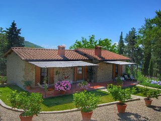 Detached villa for 6-pers. with outdoor swimming pool