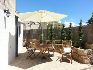 Quaint Holiday Home in Lecce Apulia near Town Center