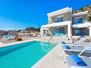 Beautiful new luxury villa near coast with pool and sea view, close golf course