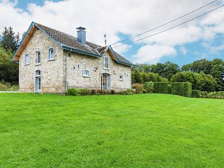 Cosy detached house in the countryside, family friendly