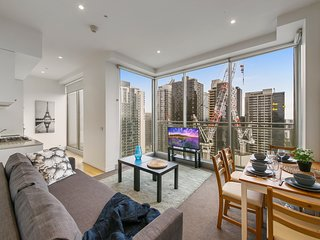 A Cozy Apt Next to Southern Cross with Ocean Views