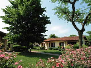 Semi-detached bungalow with AC just 3,5 km. from Sirmione