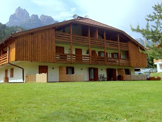 Lovely Holiday Home near Pozza di Fassa with Garden