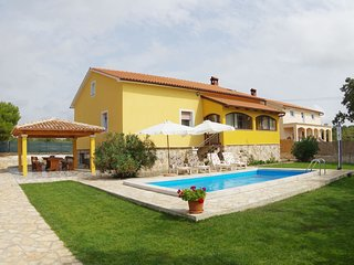 Peaceful Villa in Juršici with Private Pool