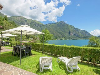 Holiday apartment at ca. 50 meters from Lake Ledro