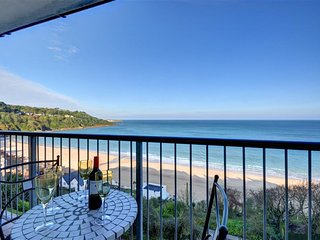 Apartment with magnificent view over Carbis Bay beach