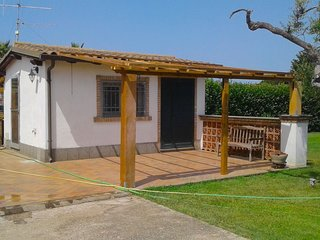 Holiday home with private swimming pool near the sea, ideal for families