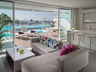 Private Terrace with Pool + Ocean Views! Suite with Free Breakfast + Wi-Fi