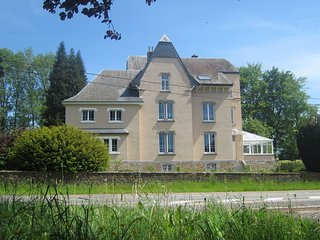 Stunning Mansion in Tintigny with Jacuzzi