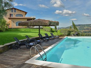 Luxurious Villa in Marche with terrace and swimming pool
