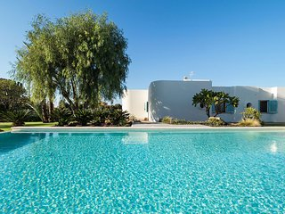 Comfortable villa with private pool, nearby Trapani and only 450m from the sea!