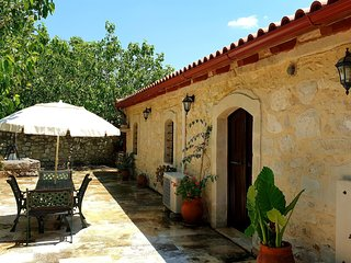 Cosy private cottage, old barn, Pasalites, countryside near Panormo, NW-coast
