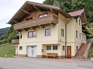 Luxurious holiday home in a fantastic location on Zellberg