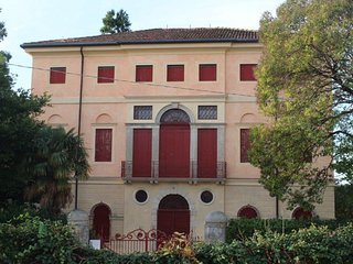 Luxury historical Venetian villa, wide parc, wifi, a lot of privacy