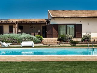 Fabulous Villa in Syracuse Italy With Private Swimming Pool