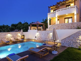 New villa with private pool, privacy, near sea and Arkadi monastery on NW coast