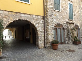 Modern Apartment in Torri del Benaco with Terrace