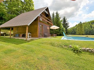 Sunlit Holiday Home in Bechyne with Private Pool