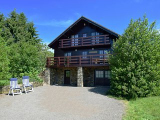 Wonderful, pleasant chalet with spacious, enclosed garden and a beautiful view.