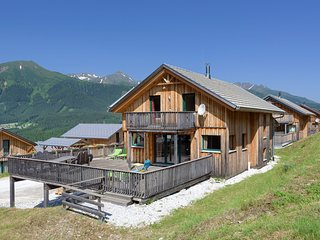 Charming Chalet in Hohentauern with Jacuzzi