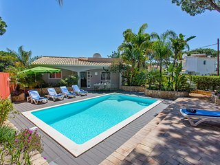 Luxury Villa with complete privacy in Vilamoura Algarve and private pool