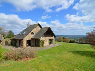 Villa with 5 bedrooms and 4 bathrooms with a beautiful view on the Ardennes