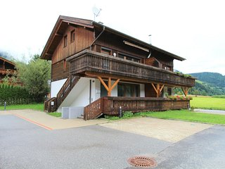 Beautiful garden apartment within walking distance of the ski lift and the Röme